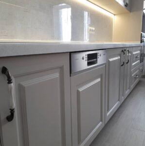 кухня с рамочными фасадами под заказ в Киеве